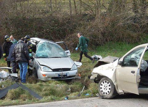 Gravissimo incidente stradale: muoiono due bambini. Quattro i feriti tra cui uno grave
