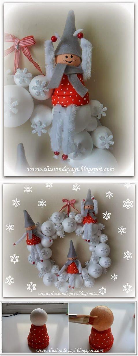 Венок из пенопластовых шариков со снежинками и сказочными эльфами.