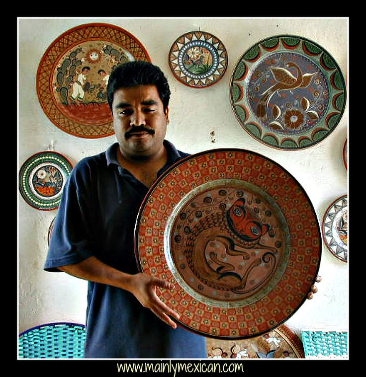 Arnulfo Vasquez is the son of Salvador Vasquez and this is his work which is burnished clay from Tonala.