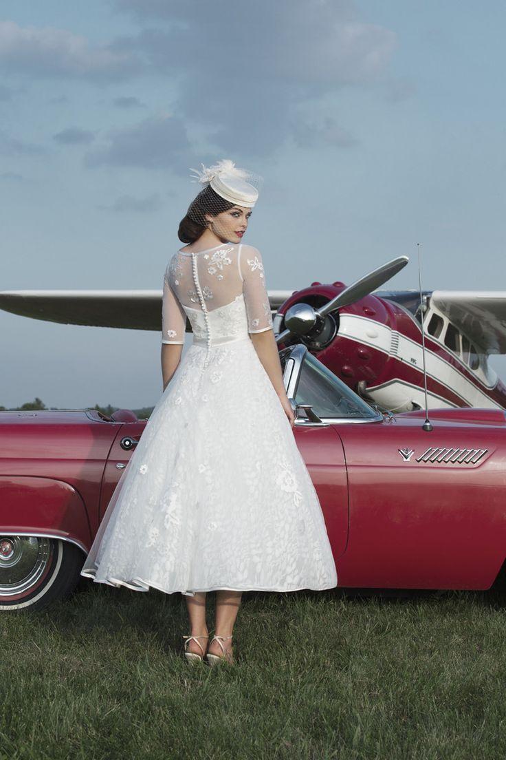 Tea length wedding gowns always remind us of Audrey Hepburn in 'Funny Girl' -- so vintage chic! Style #8729 | Justin Alexander | #WeddingDresses