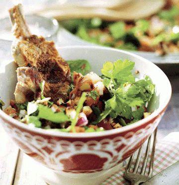Lammekoteletter med mandel-tomat-salat | ISABELLAS