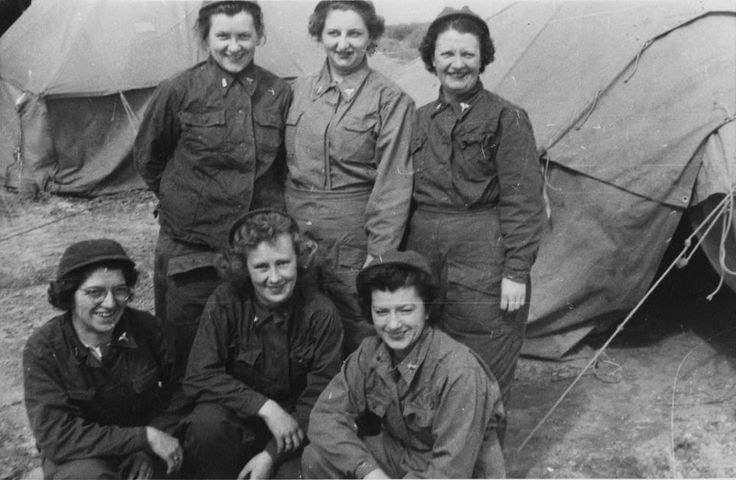 lived experience of women military nurses Military nurses understand the importance of teamwork, communication, and   experiences of men and women who provide long-term, life-sustaining care to.