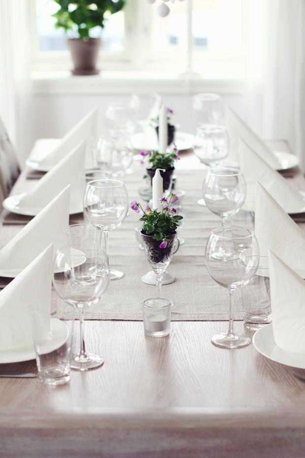 Anytime table setting but pretty for spring. jordbærpiken