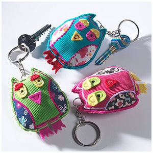 OWL KEYRINGS - KR31These cute and colourful owl keyrings are fairly traded for from India. Handmade from felt and cotton with applique and embroidery.Size approx: 6 x 7 x 2cmDue to the handmade nature of this product the colours may vary slightly.