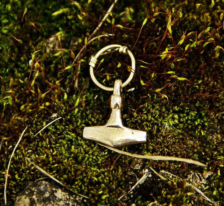 #vikikng #jewelry #thor #hammer #mjolnir #mojoviking