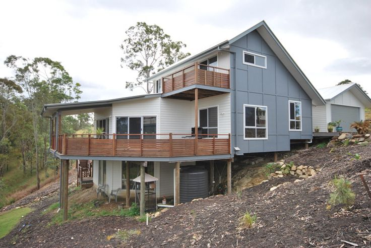 Sloping block. Hate the wood on the balcony but just another aspect.