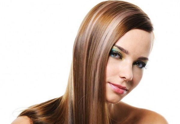 Como Cuidar El Pelo Teñido. CUIDADOS PARA EL CABELLO TEÑIDO  A muchas mujeres nos encanta renovarnos y esto siempre lo hacemos cambiando nuestra apariencia, en muchas ocasiones es nuestro cabello el que usamos para hacer estos cambios, por ejemplo podemos hacer cortes de cabello diferentes o cambiarle el color. En este tipo de procedimientos siempre maltratamos nuestro cabello, en muchas ocasiones se vuelve opaco, se reseca....  Como Cuidar El Pelo Teñido. Para ver el artículo completo…