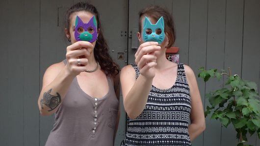 Mala Hembra: las creadoras del llavero de gato autodefensa | Barcelonés