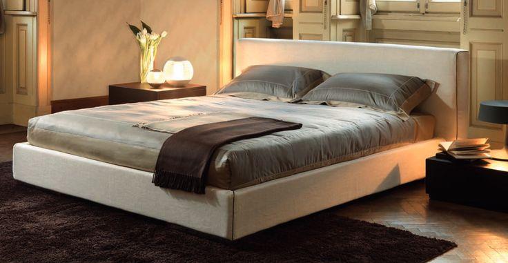 Letto moderno matrimoniale Feeling Tino Mariani. Il letto Feeling è personalizzabile nella scelta delle finiture e dei rivestimenti, disponibili in tessuto sfoderabile oppure in pelle.