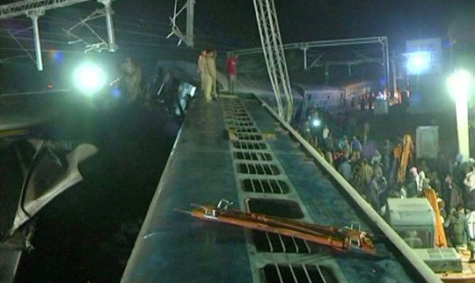 Τουλάχιστον 23 νεκροί από τον εκτροχιασμό τρένου στην Ινδία
