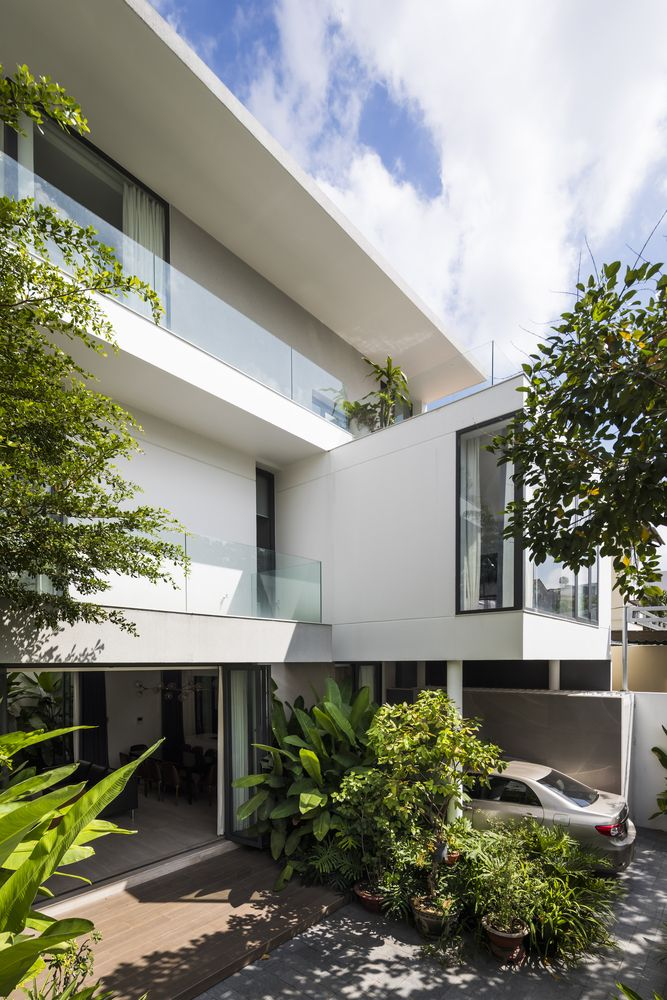 Gallery Of D9 House Group A Architects 28 In 2020 Modern House Facades House Designs Exterior Facade House