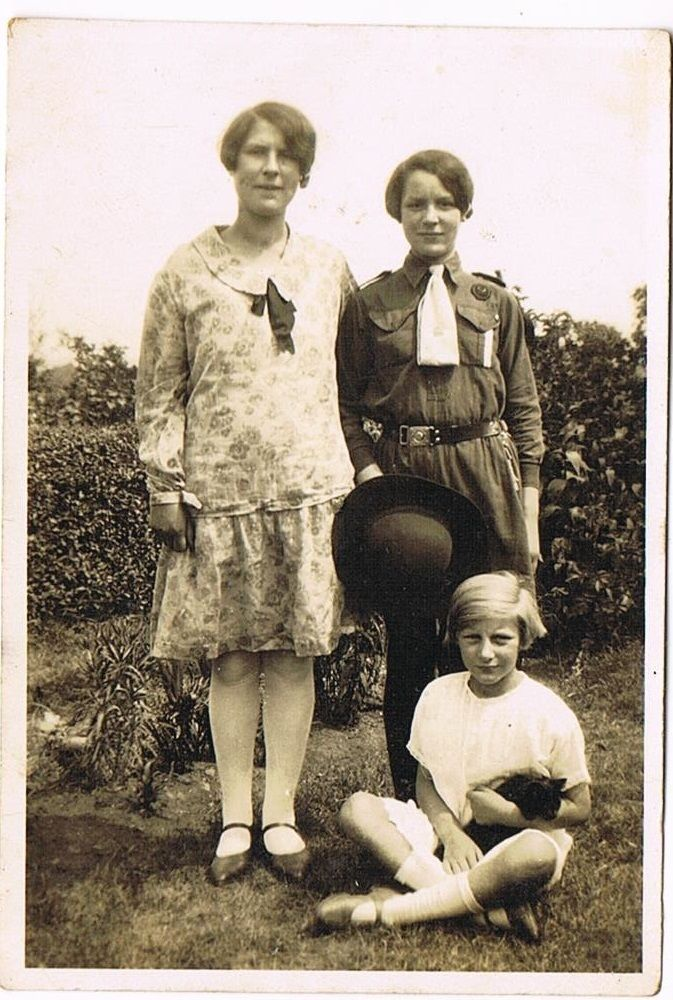 VINTAGE 1929 GIRL GUIDES PHOTO: TONYREFAIL SOUTH WALES MORFYDD RHOSWEN in Collectables, Memorabilia, Girl Guides | eBay