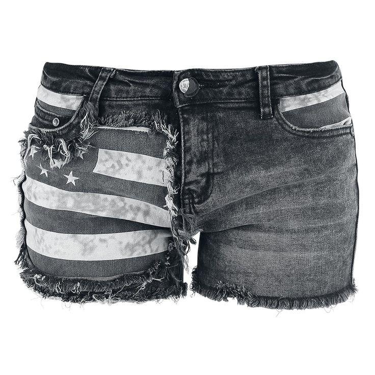 De zwarte Flag Hot Pants van Rock Rebel by EMP is behoorlijk indrukwekkend. Op de rechterpijp staat een print van de Amerikaanse vlag met destroyed-effecten - sterk ontwerp. De slim fit cut maakt de korte broek helemaal perfect.