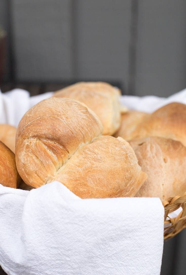 Marraquetas, una receta chilena traditional de pan. Como hacerlas en casa. También conocido como pan batido.