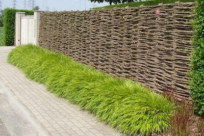 Afbeeldingsresultaat voor natuurlijke tuinafsluiting