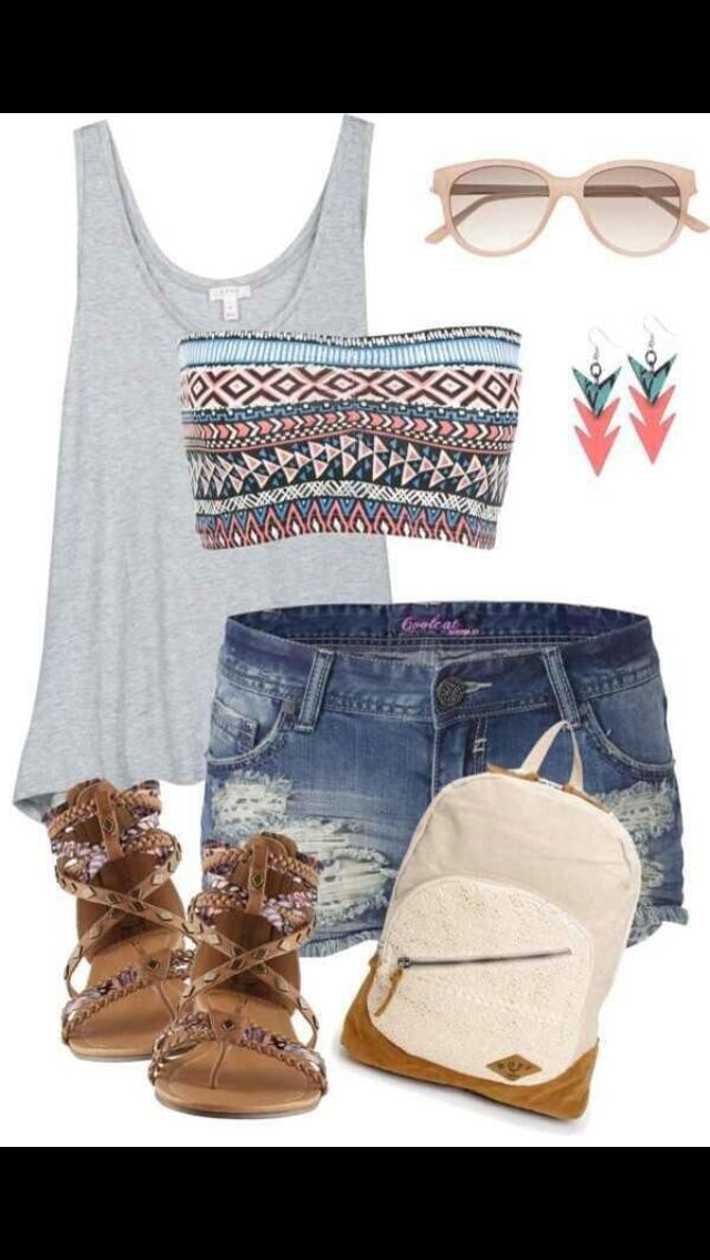Loving the shorts with the lovely bag.. I would change a few pieces in this outfit but the concept I absolutely love!
