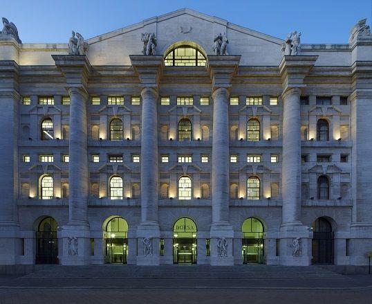 Palazzo Mezzanotte a Milano, visita con il FAI