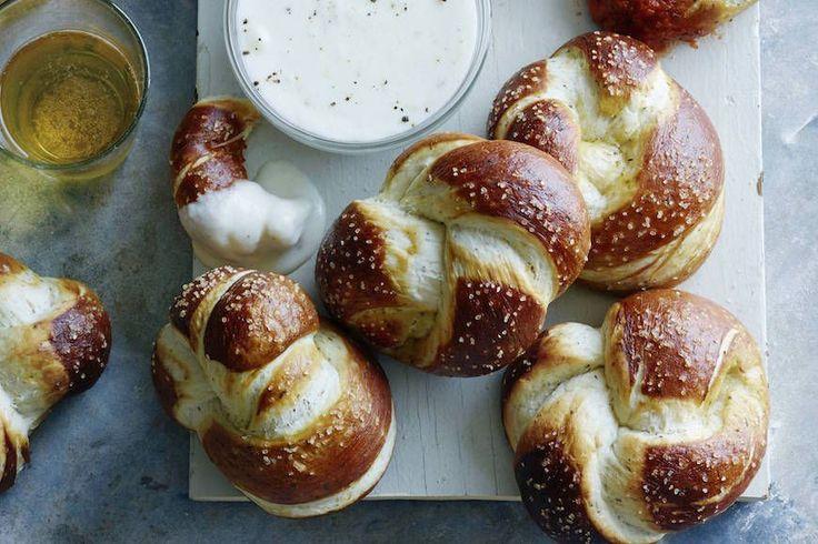 Parmesan+Pretzel+Knots+-+What's+Gaby+Cooking