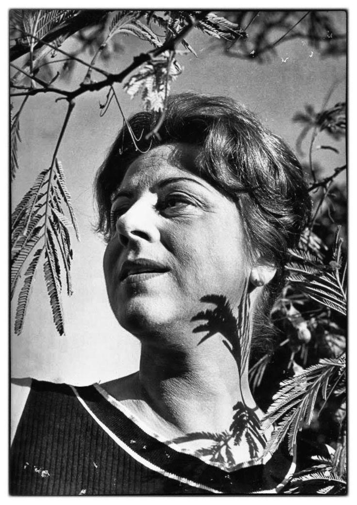 Μαίρη Αρώνη