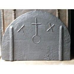 Haardplaat met gotisch wapen te koop bij https://www.haardplaat.com