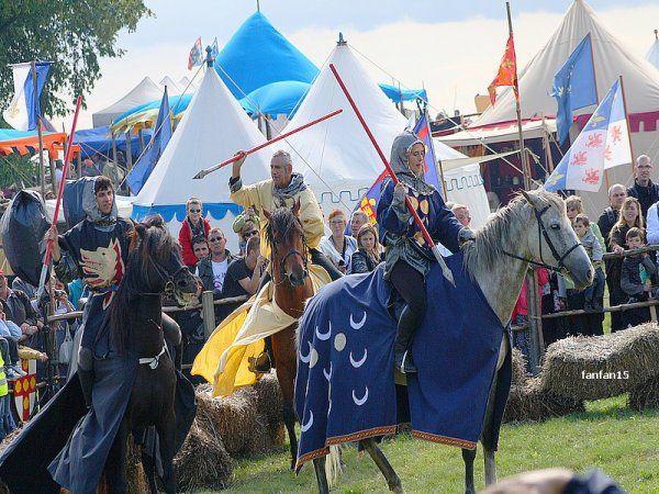 fête médiévale à Folleville