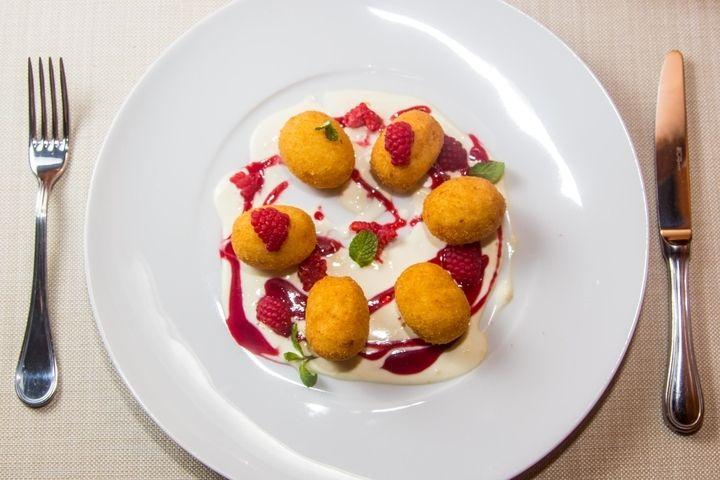 Ньокки из манной крупы - пошаговый рецепт с фото: Итальянские ньокии — это небольшие клецки, которые обычно готовят из картофельного или несладкого творожного теста... - Леди Mail.Ru