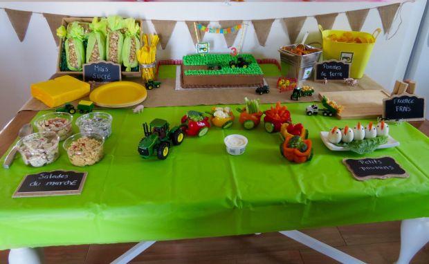 Farm Tractor Birthday Party Ideas (Fête d'anniversaire ferme et tracteur) - Mon Petit Koala