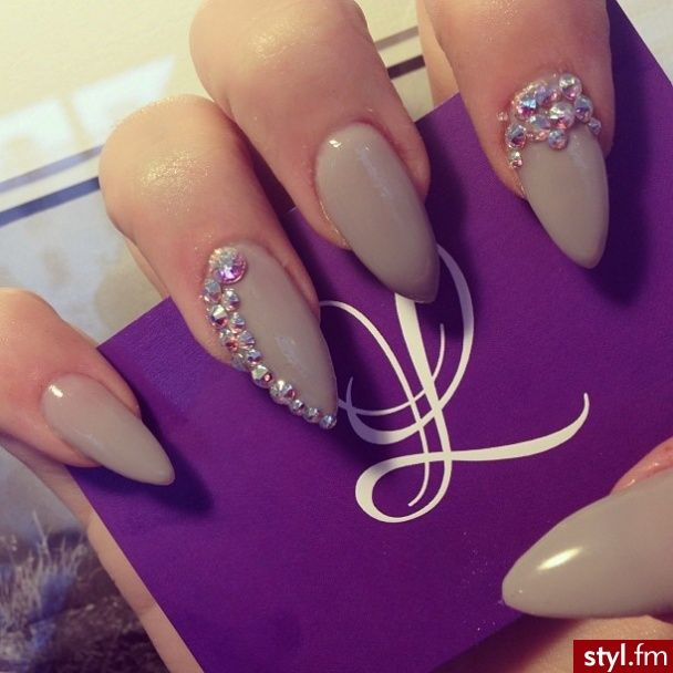 Almond nails are not my thing, but the color and design is cute - 121 Best Claws, Acrylics And Nail Designs Images On Pinterest