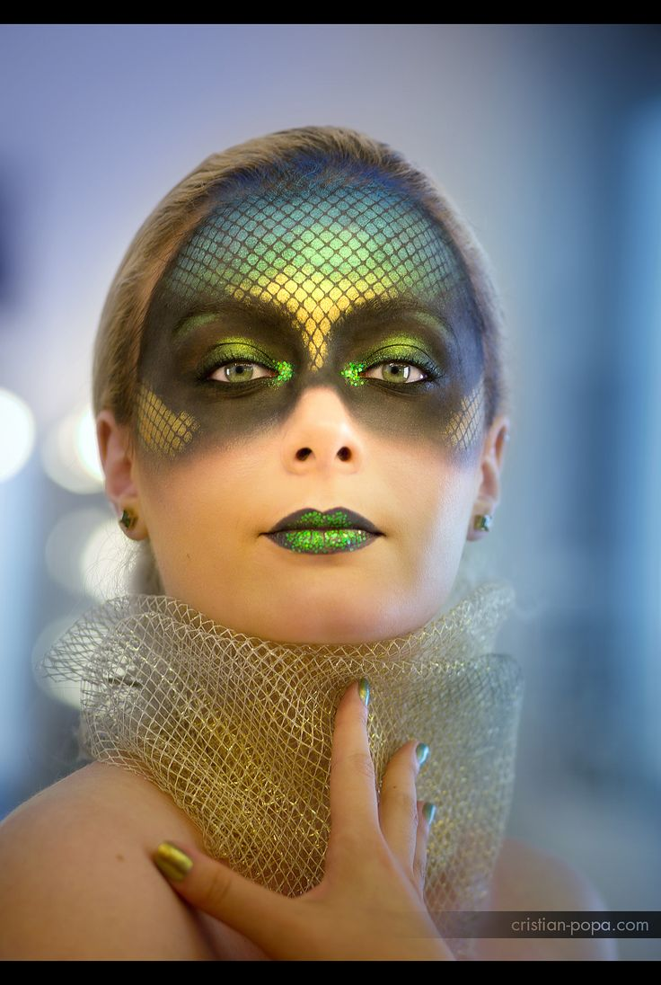 Photography : Cristian Popa Make-up: Irina Cajvaneanu  #makeup #reptilemakeup #reptilian # scales #fantasymakeup #fantasy #glitter #glitterlips #iridescent