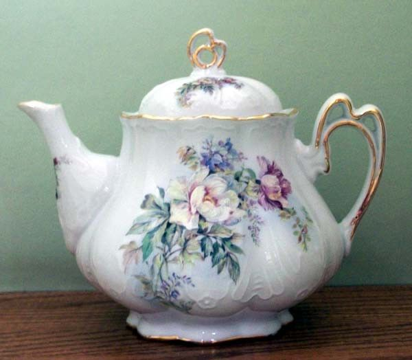 Ashley 5 Cup Hand Decorated Porcelain Teapot - Aurora | Roses And Teacups