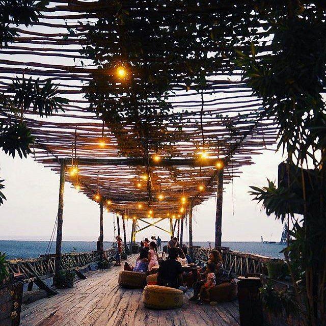 La Laguna beach club in between Seminyak And Canggu ❥