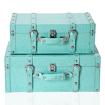 turquoise accent and accessory idea for home interiors   Tiffany Blue. 17  best ideas about Tiffany Blue Bedroom on Pinterest   Tiffany