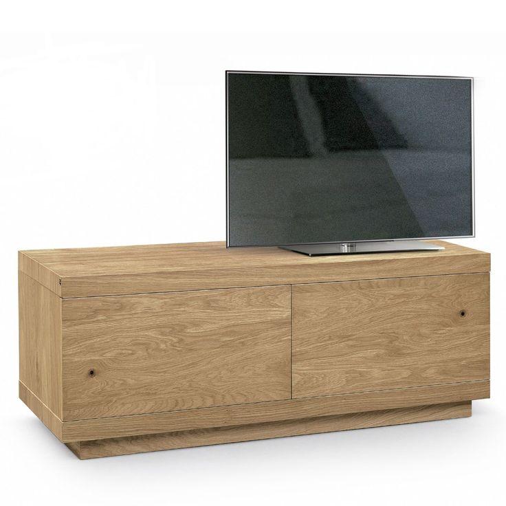 Mueble de televisión Vista, de Oliver B. group. Diseño sencillo y útil. Encajará a la perfección en tu salón ya que la madera natural pega con todo. Disponible en dos tamaños diferentes.