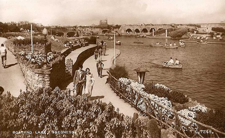 Lincolnshire, Skegness Boating Lake 1930's.jpg 950×584 pixels