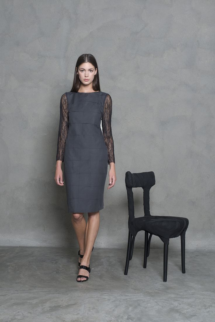 Business dress with a twist. Beautiful laced sleves mixed with a classic dress fit. Laidback luxury.