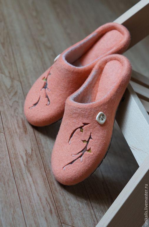 """Купить Валяные тапочки """"Ожидание"""". - кремовый, Персиковый цвет, весеннее настроение, обувь ручной работы"""