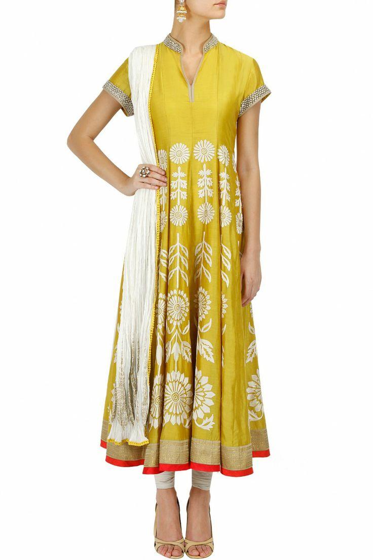 Yellow floral embroidered anarkali kurta set BY ANJU MODI. Shop the designer now at: www.perniaspopups... #perniaspopupshop #anjumodi #shopnow #festive #collection #eid #beautiful #statement #love #fashion #style
