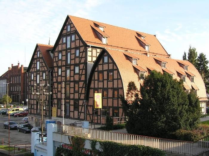 Google Image Result for http://upload.wikimedia.org/wikipedia/commons/a/a1/Bydgoszcz_Spichrze.jpg