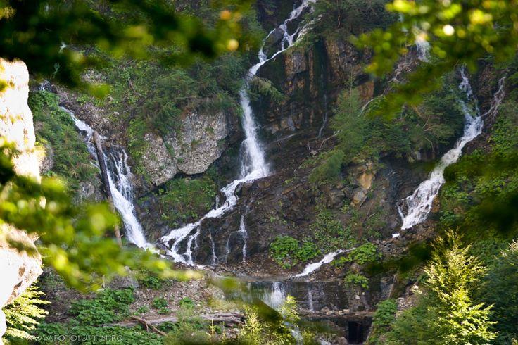 Cascada Urlătoarea (Urlătoarea Waterfall), România