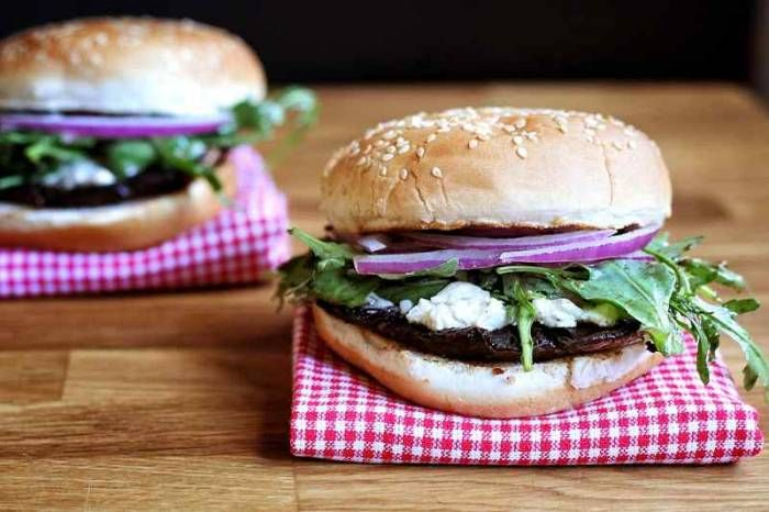 Grilled Portobello Mushroom and Boursin Cheese Burgers {Via @Karina Martinez Osmond}