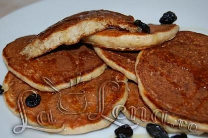 Pancakes cu fulgi de ovaz si scortisoara
