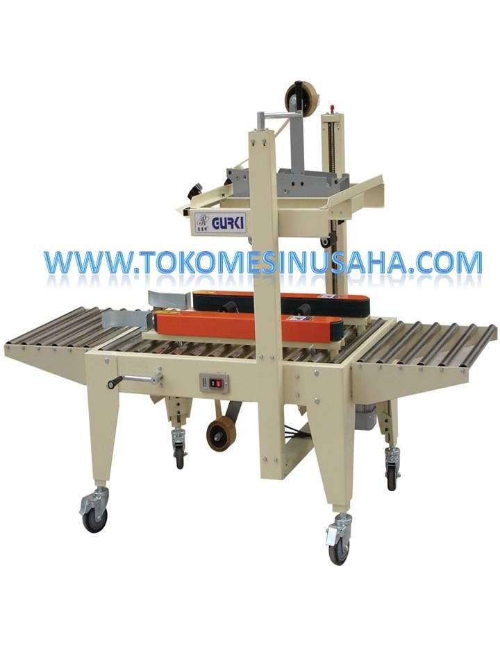 Mesin Carton Sealer merupaka mesin untuk menyegel kardus karton.mesin ini mempunyai 2 penyegel yaitu atas dan bawah sehingga akan mempercepat proses penyegelean. Spesifikasi : Kecepatan berputar : 20 m/ menit Dimensi : 166 x 85 x 126 cm Berat : 120 kg Panjang segel : 3.6, 4.8, 5, 6 cm Daya : 220- 240 V/ 50- 60 Hz Panjang carton maks: 50 x 50 cm