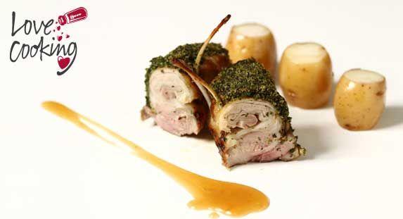 Lomo de cordero asado al punto con costra de hierbas #receta #carne
