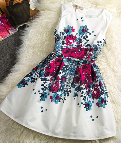 Vestido linha-a branco com estampa floral - http://vestidododia.com.br/modelos-de-vestido/vestidos-linha-a/vestidos-linha-a/