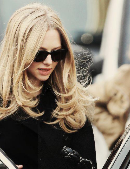 Corte de pelo con capas. bellisimo para cuaquier tipo de cabello sano y bien cuidado. Estilo para ambientes de trabajo GLAMOROSOS. layered hair