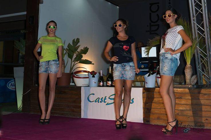 Gafas se sol Soniapew de madera de bambú, ecológicas y ligeras, con lentes polarizados-espejados, personalizadas en exclusiva para el evento Almeria Fashion Week 2015, candidat@s Miss &Mister Expresion (pasarela moda casual)