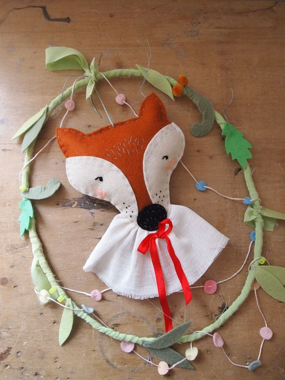 Woodland fox wreath wall decoration