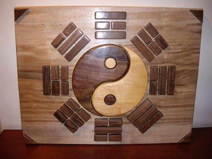 Yin Yang con I-Chin: Cuadro realizado en maderas de 1 pulgada, caladas y pulidas. Terminación a mano.