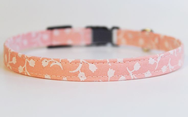 Beautiful handmade pink floral cat collar by PurrsonalCreations on Etsy