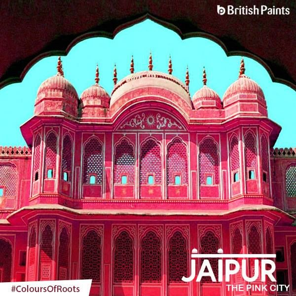 Dressed in Pink, the royal city of Jaipur Rajasthan, is the apt blend of heritage, Palaces, culture and art. The flamboyance of the place can only be experienced by visiting it. #ColoursOfRoots